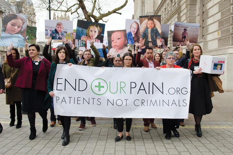 Önfeljelentő brit betegek - CK Medijuana