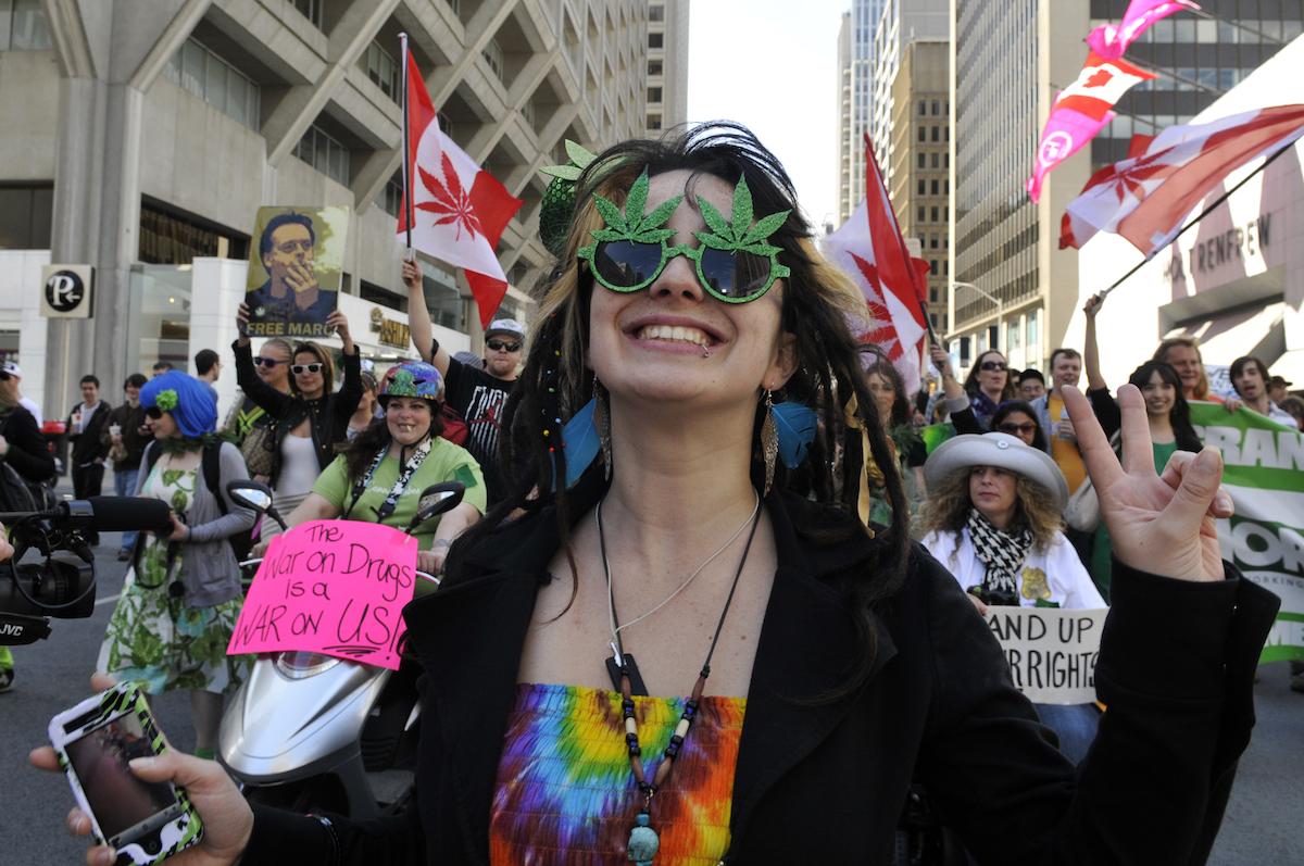 Tudomány: a legális fűvásárlás korhatára legyen 19 év - CK Medijuana